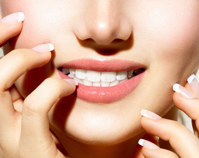تفاوت بلیچینگ دندان در خانه و بلیچینگ دندان در مطب چیست؟
